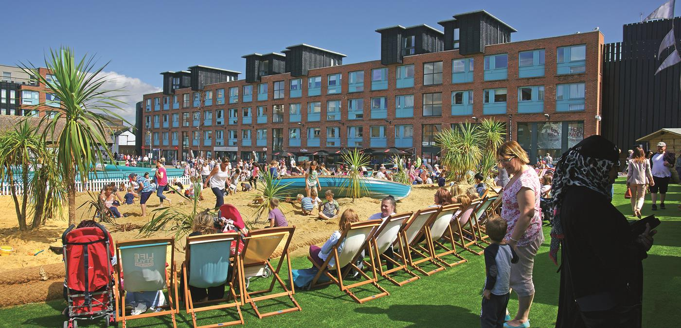 Gloucester Quays Pop Up Beach